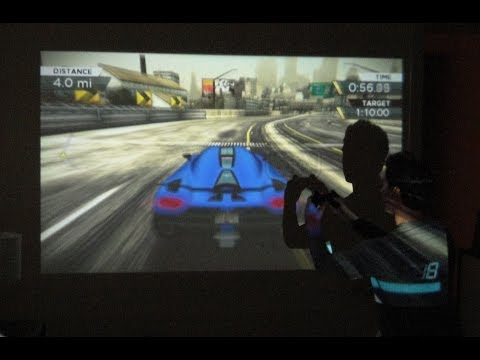 Gaming on the Projector Smartphone - Samsung Galaxy BEAM
