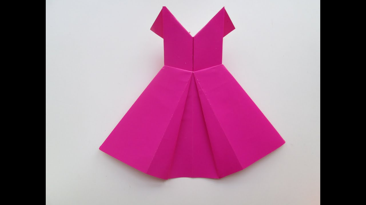 Comment faire une robe avec du papier color youtube - Serviette de table pliage ...