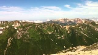 天気予報が外れ、夏らしい青空となった野口五郎岳山頂からの景色です。 ...