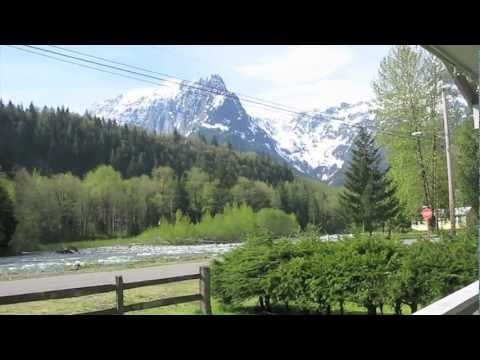 Washington State Vacation Rental Cabin near Stevens Pass on Skykomish River in Cascade Moutains