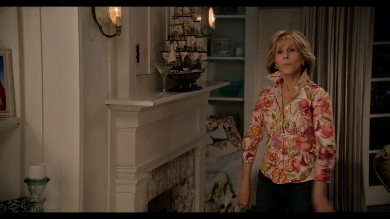 Download Grace and Frankie season 5 episode 3 - Brianna hires Grace.