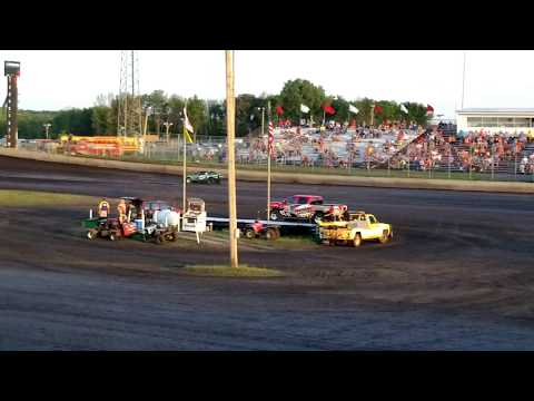 Tyler Pickett's Heat Race Win 7/29/2017 Boone Speedway