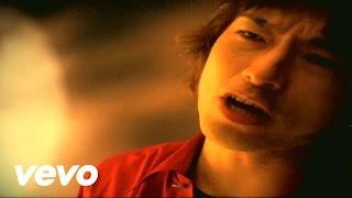 デビュー当時から歌われているライブのド定番曲。このMVは99年発表の「...