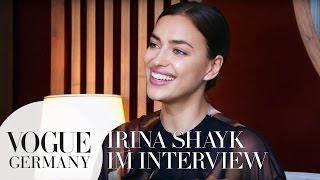 Vom Unterwäsche-Model zum High-Fashion-Model: Irina Shayk|VOGUE Interview