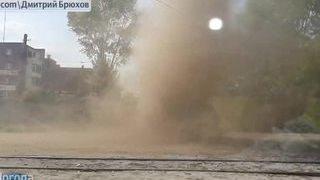 Мини-торнадо нарушают спокойствие россиян(Мини-торнадо нарушают спокойствие россиян Вторую неделю в разных уголках России появляются вихри, напомин..., 2015-05-16T17:54:13.000Z)