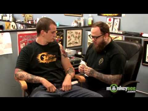 How to wash and bandage your tattoo youtube for Washing a new tattoo
