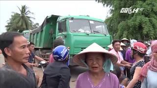 VTC14 | Tây Ninh: Nhiều phụ nữ bị bắt giam vì ngăn xe chở cát vào đường dân sinh