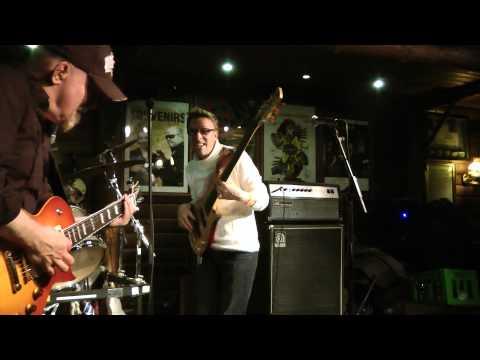 Midnight Blues - Burnin Love (2012)