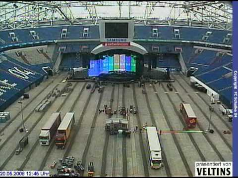 Bon jovi gelsenkirchen stage building youtube for Stages in house construction