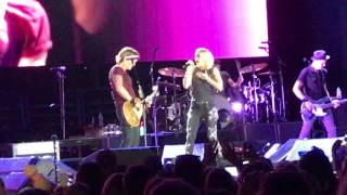 The Fighter - Keith Urban & Carrie Underwood (live)