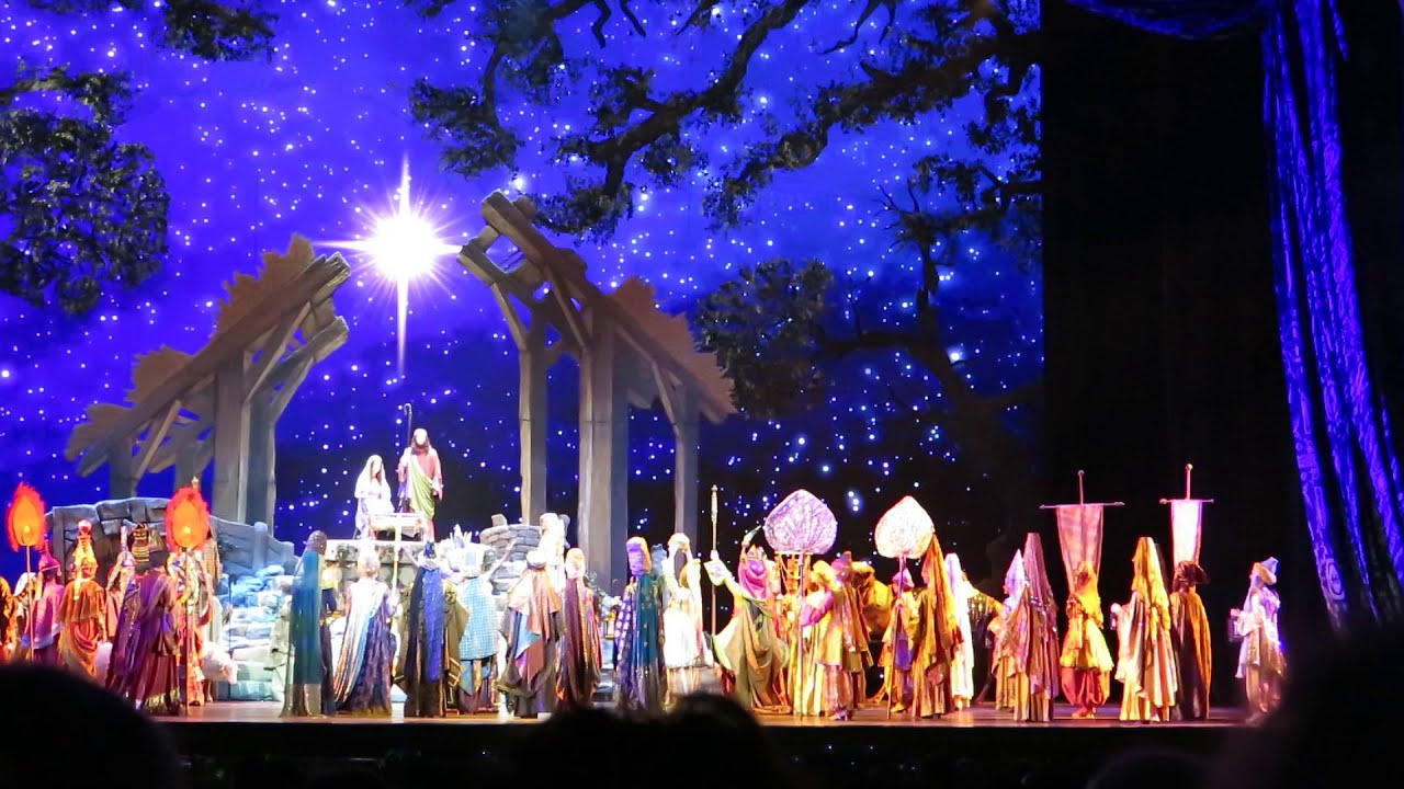 Radio City Christmas Spectacular - New York City 2015 - THE LIVING ...