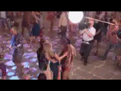 Meryl filming Voulez-Vous