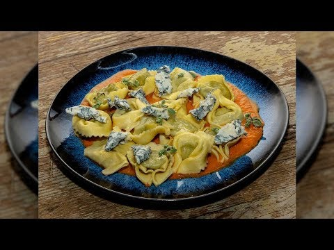 Tortelli mit Quark-Spinat-Füllung mit Gorgonzola