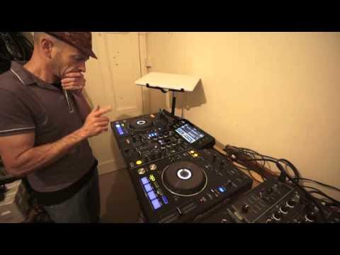 DJ MIXING LESSON ON OLD SCHOOL DISCO PIONEER XDJ-RX