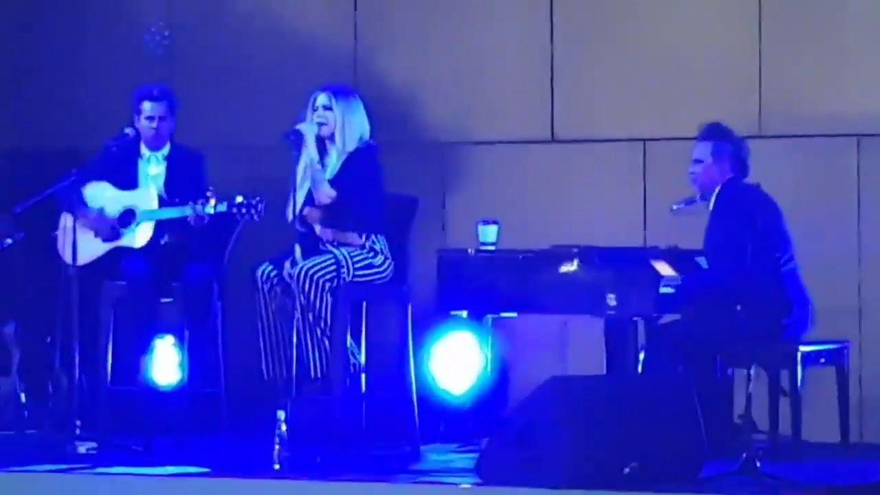 Avril Lavigne - Naked (Let Go 2002) Chords - Chordify