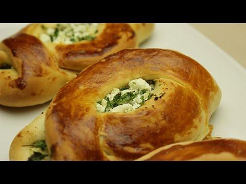recette-de-petit-turc-à-la-feta---pogaca-pain-fourré