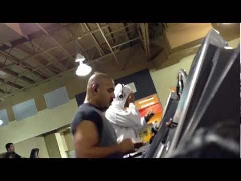 DUDE ROLLING ON ECSTACY AT 24HR FITNESS