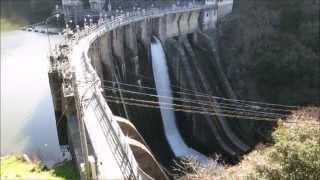 三成ダム 放流