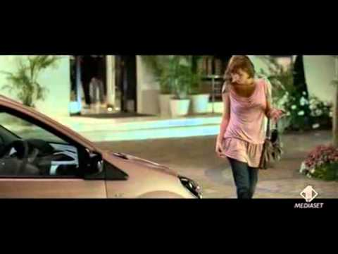 Lesbian Clio ad is too hotti for TV
