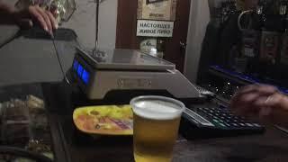 """""""Poctivá sibiřská metoda"""" čepování piva v ruském Gorno-Altajsku"""