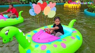 SERU! Bermain Permainan Anak Naik Odong Odong Kapal Kapalan Balon Air Bentuk Hewan Lucu