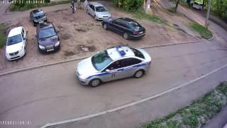 Погоня во дворе одного из домов на ул. Автозаводская