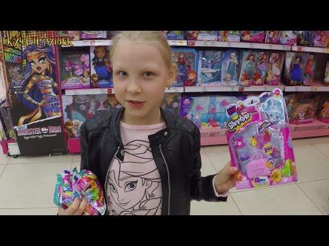 Мелаша в отделе игрушек в Детском мире!