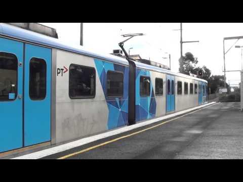 Trains at Ormond - Metro Trains