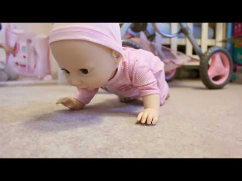 Best Baby Doll Nursery Centers * Little girl playing baby doll, feeding dolls, bath time, bed time