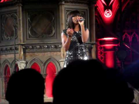 Alexandra Burke @ Union Chapel - I'll Be There (Litte Noise Sessions 17/11/2009)
