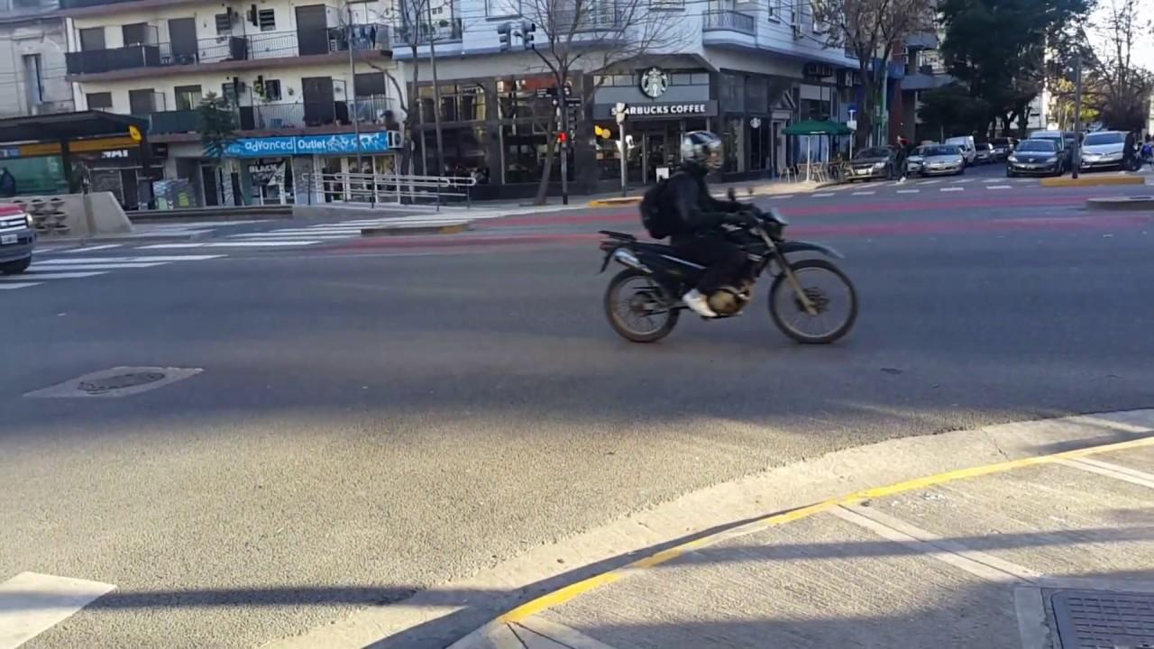 Сбили мотоциклиста. Авария. Буэнос Айрес. Аргентина.