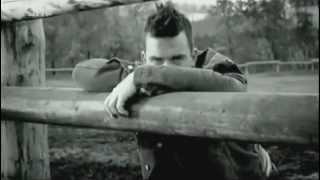 Robbie Williams & Daryl Hannah - Feel music video