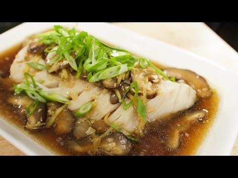 Steamed Fish w/ Ginger Soy Sauce ปลานึ่งซีอิ้ว - Hot Thai Kitchen