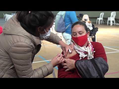 La alegría de sansalvadoreños de recibir su vacuna contra el Covid-19