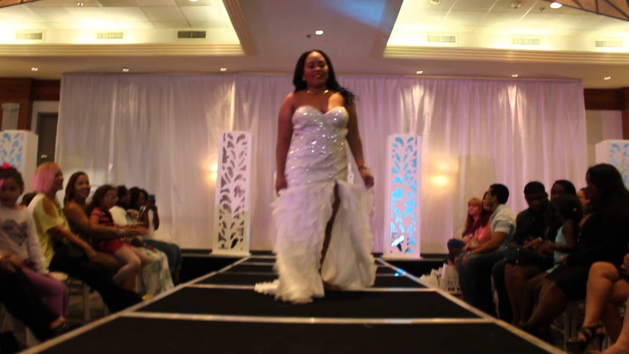Sexy Wedding Dress in Miami Bridal Expo - YouTube