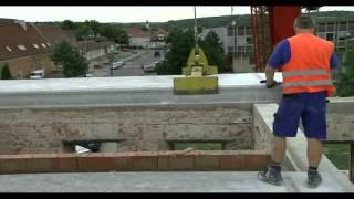 Oprava střechy zámečku