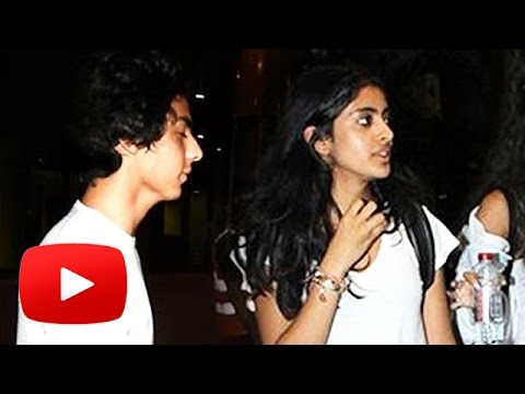 Aryan Khan & Navya Nanda RETURNS After Holidaying In Phuket from YouTube · Duration:  1 minutes 17 seconds