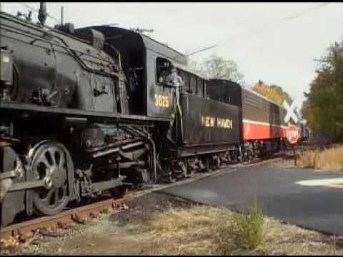 ''Two Rivers Steam Special'' Part2 P&W excursion locomotive change from Diesels to Steam on Valley R