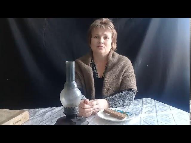 Изображение предпросмотра прочтения – ГалинаКириллова читает произведение «Разговор с соседкой» (Бергольц Ольга)
