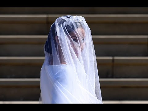 The Givenchy royal wedding dress the world waited to see | ITV News