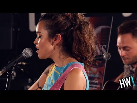 Megan Nicole 'Escape' LIVE Acoustic | Hollywire Sessions