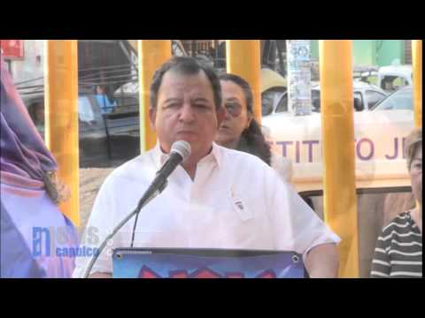 Rinden homenaje a Nicolás Román Benítez