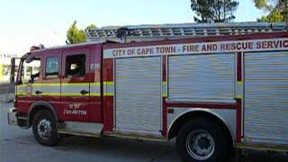 Fire Engine of Fire department Cape Town - South Africa responding - 2nd of February 2010