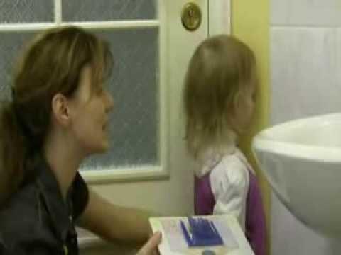 Как научить ребенка говорить (имитирует речь)