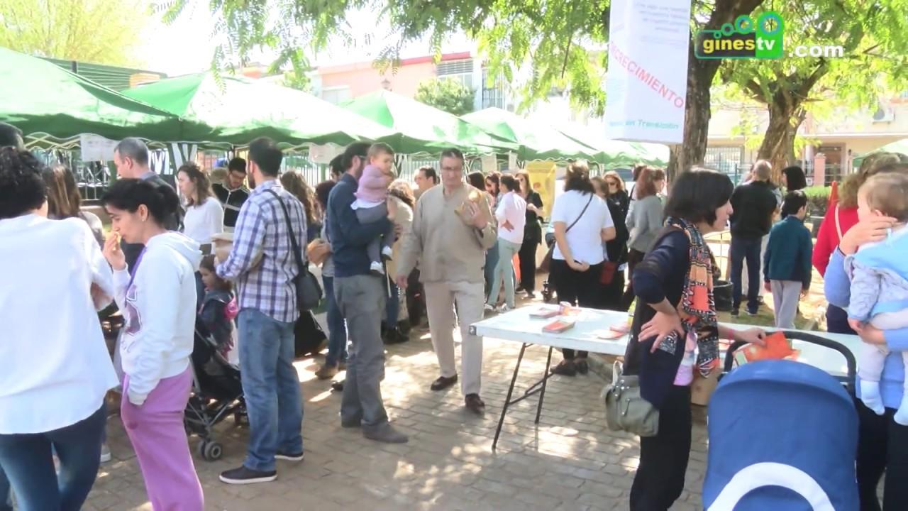 Gines dio la bienvenida a la primavera con una edición especial del Mercado Ecológico del Aljarafe