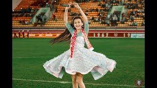 Ерке Есмахан на центральном стадионе Актобе спела вместе с болельщиками