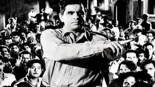 Dilip Kumar with Mill Workers to Form a Union, Paigham - Scene 12/19