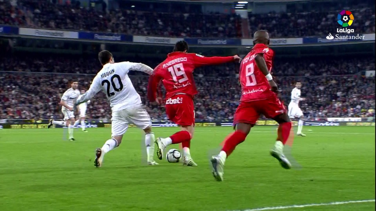 Resumen de Real Madrid vs Sevilla FC (3-2) 2009/2010 - YouTube