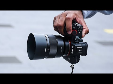 best-sony-lens-for-portrait-and-street-photography- -sony-fe-85mm-f/1.8