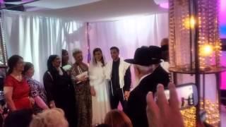 Еврейская свадьба,дети друзей . Хупа